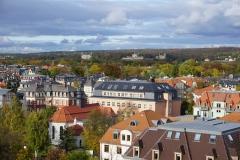 Blick von der Turmterrasse der Technischen Sammlungen auf die Elbschlösser.
